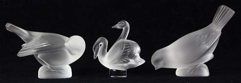 lot of 3 Lalique frosted crystal group