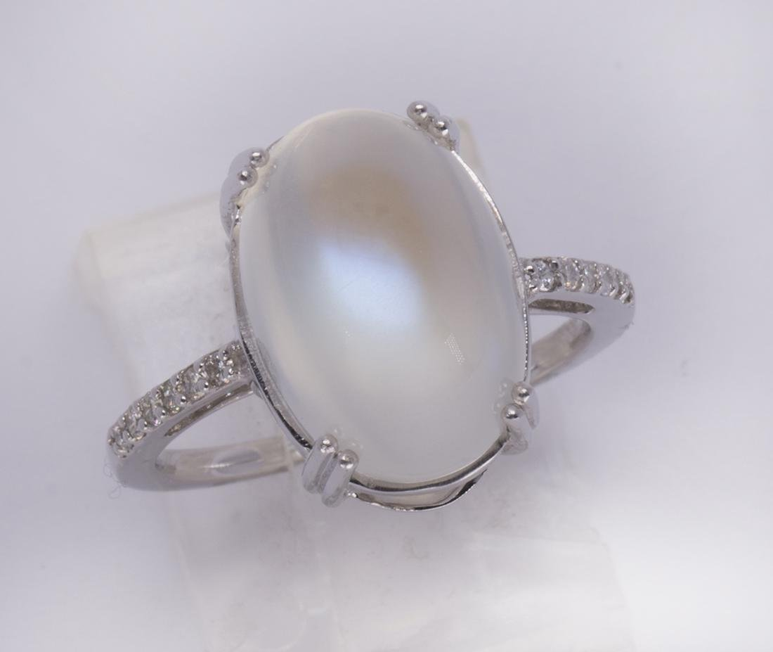 Moonstone, diamond and 14k white gold ring