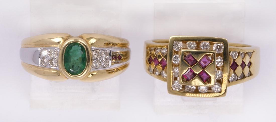(Lot of 2) Ruby, emerald and 18k yellow gold rings