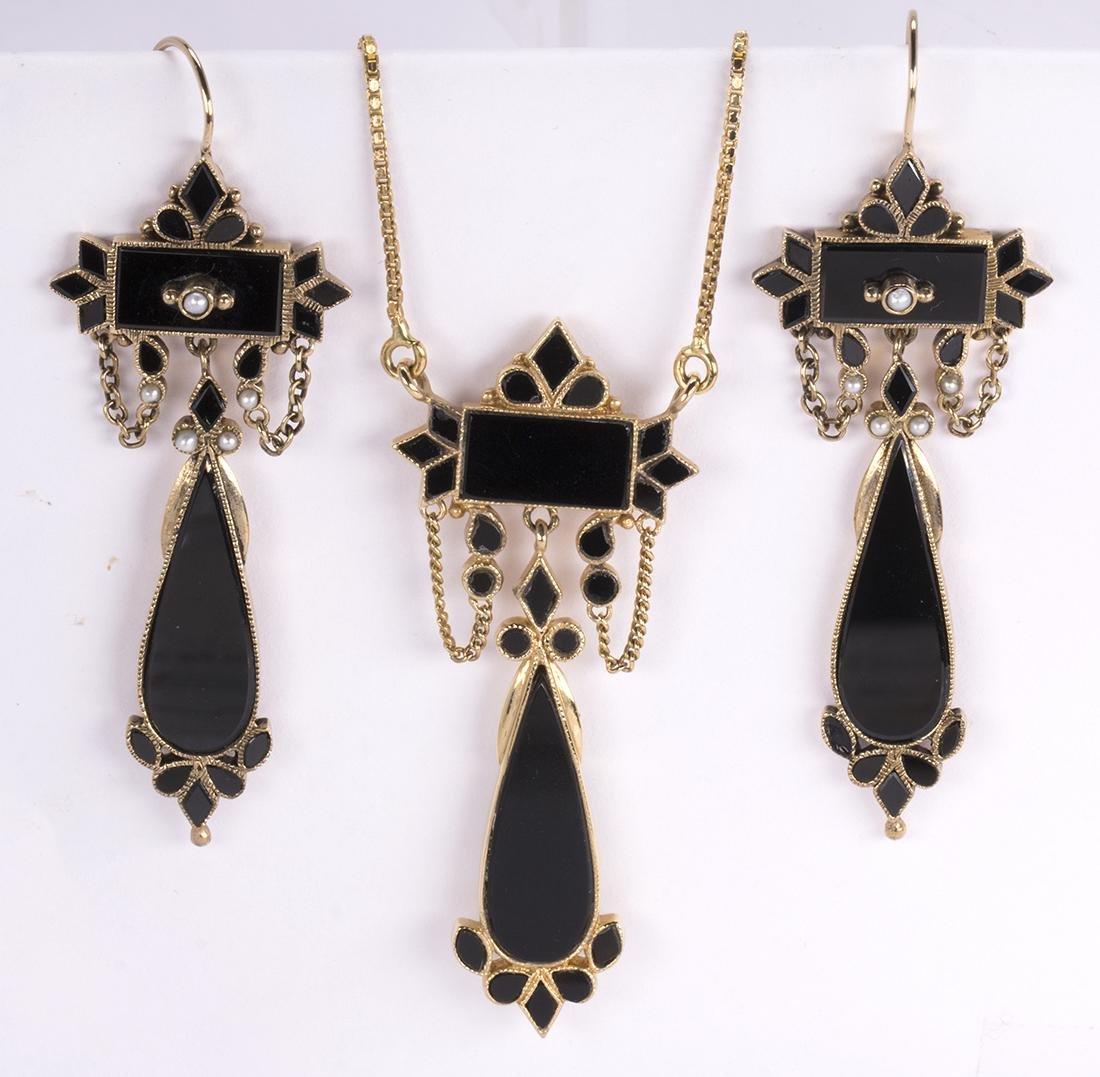 Black onyx, yellow gold jewelry suite