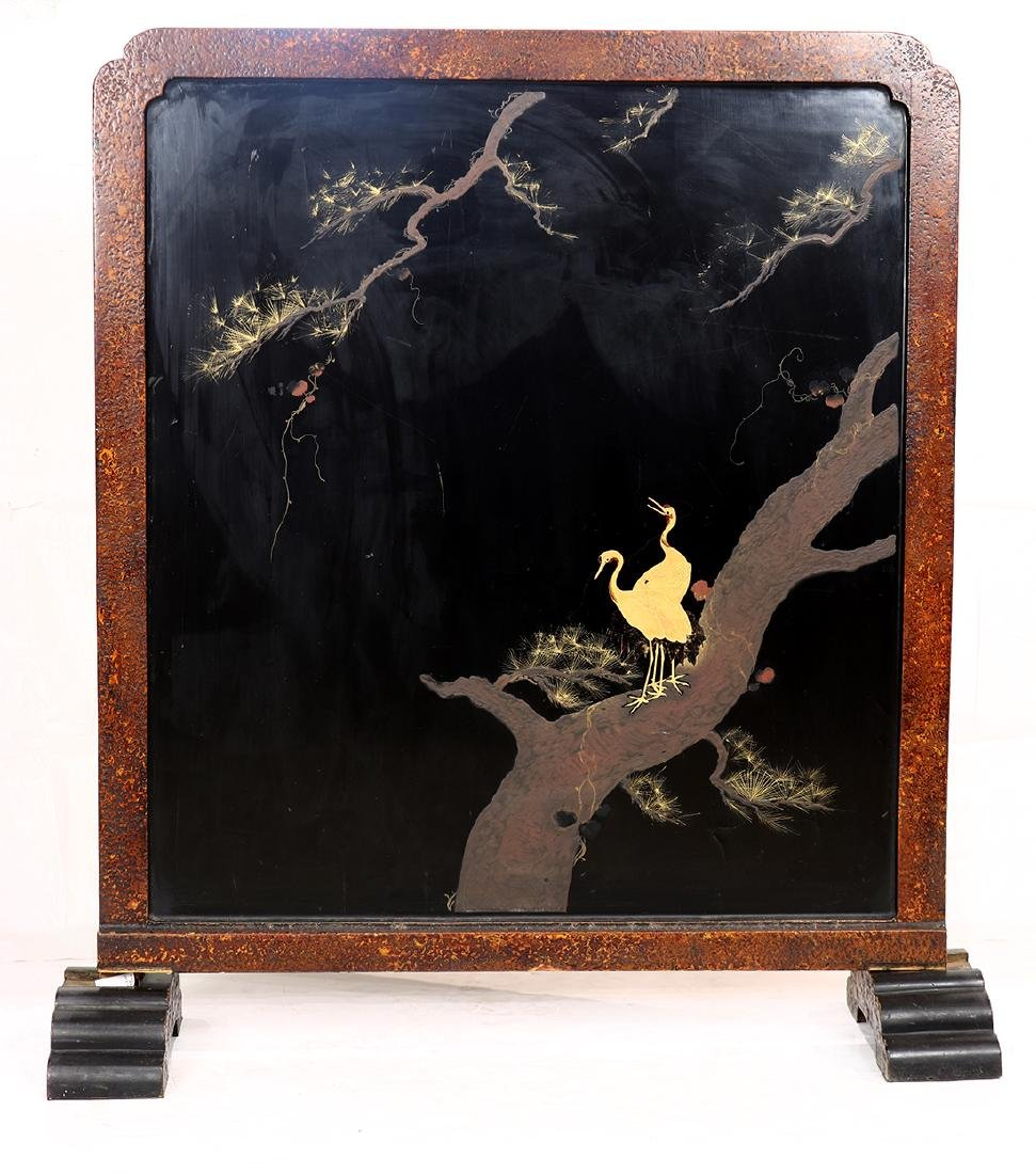 Japanese lacquer tsuitate screen, Meiji period, gilt