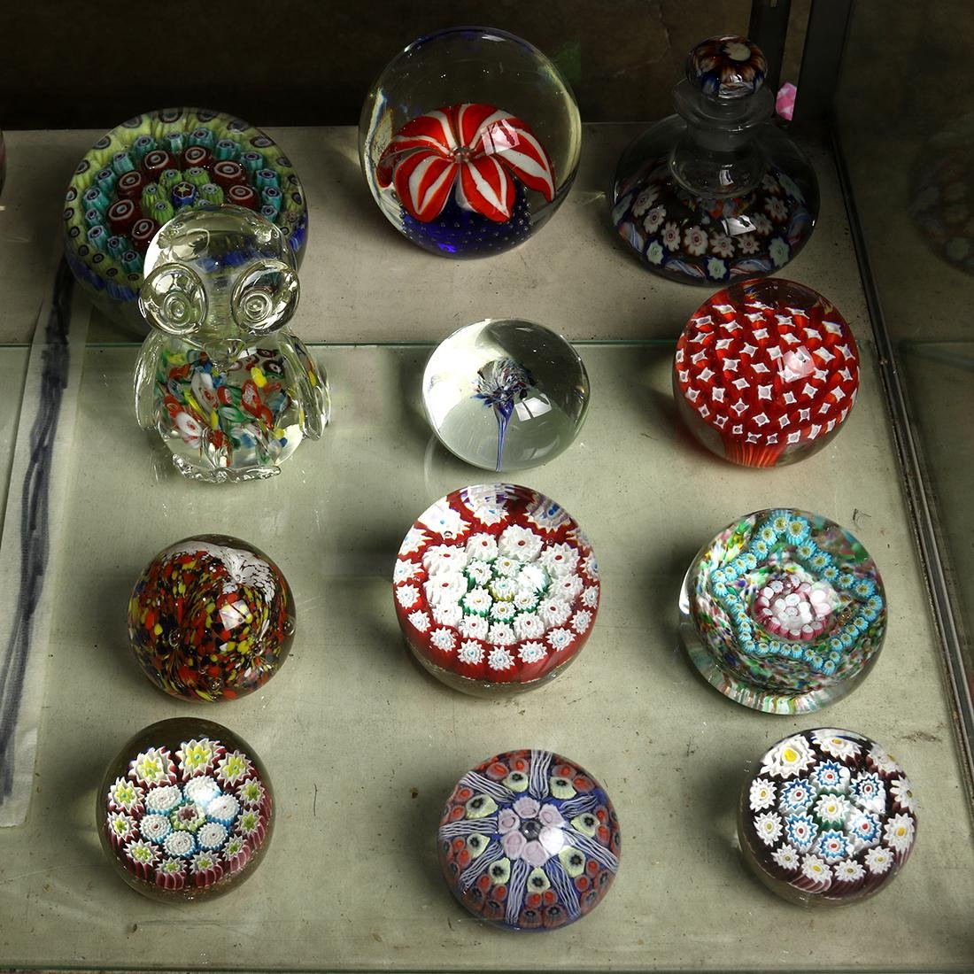 (lot of 12) Art glass paperweight group, including