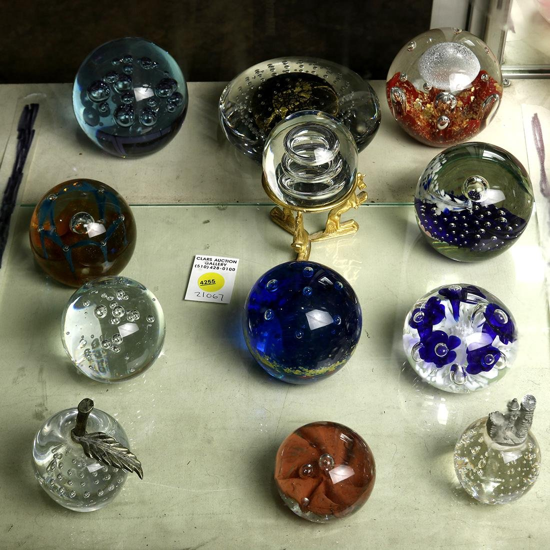 (lot of 12) Blown glass paperweight group, consisting