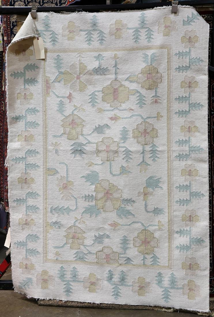 "Indian Dhurrie carpet, 5'11"" x 4'1""."