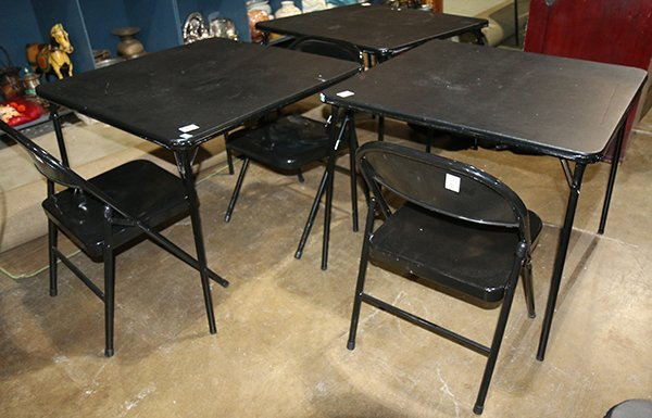 Folding table and chair group