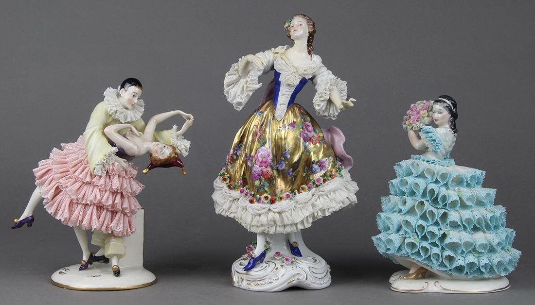 (lot of 3) Continental porcelain crinoline figural