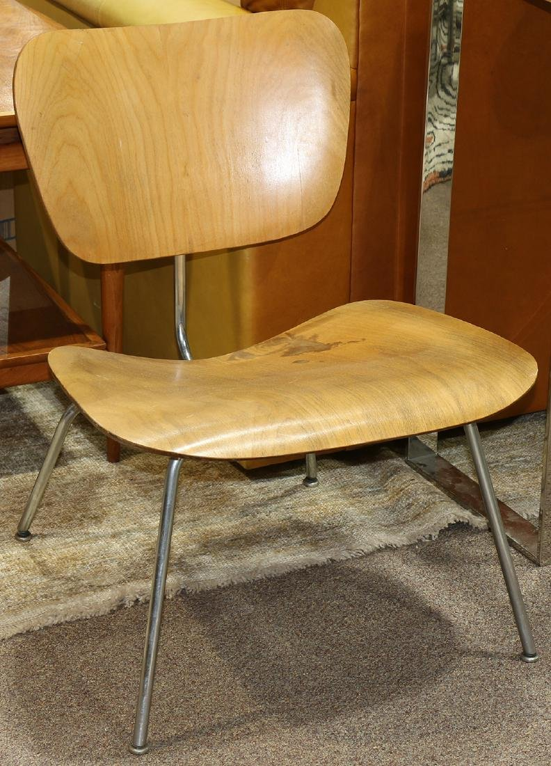 Mid-Century Modern Charles and Ray Eames LCM chair