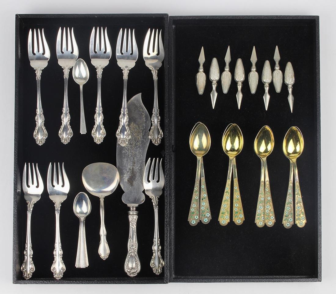 (lot of 31) Sterling silver utensil group
