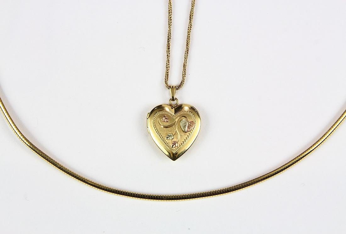 (Lot of 2) Yellow gold necklaces