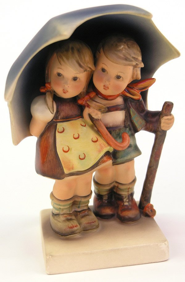 4010: Hummel porcelain figure Stormy Weather