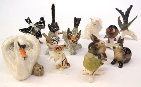 4016: Goebel figures birds rabbits cats