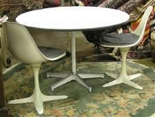 4127 Midcentury Saarinen style dining table