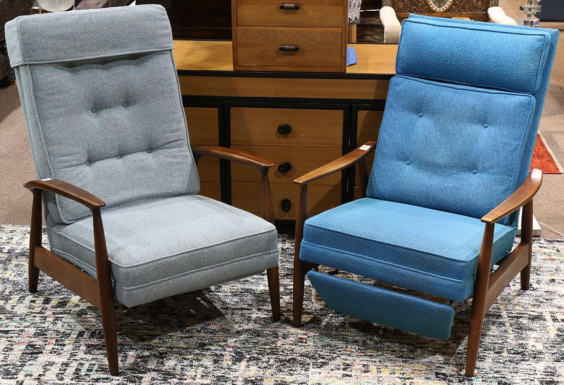 (lot of 2) Mid Century lounge chair group circa 1960