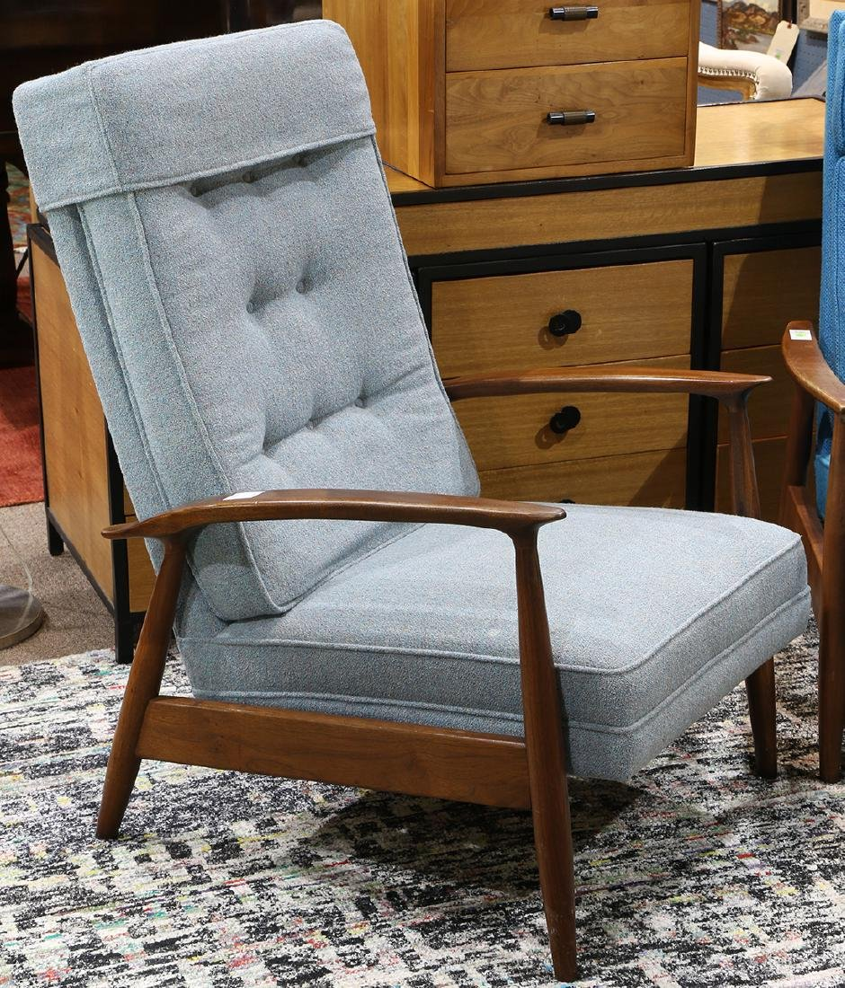 (lot of 2) Mid Century lounge chair group circa 1960 - 2