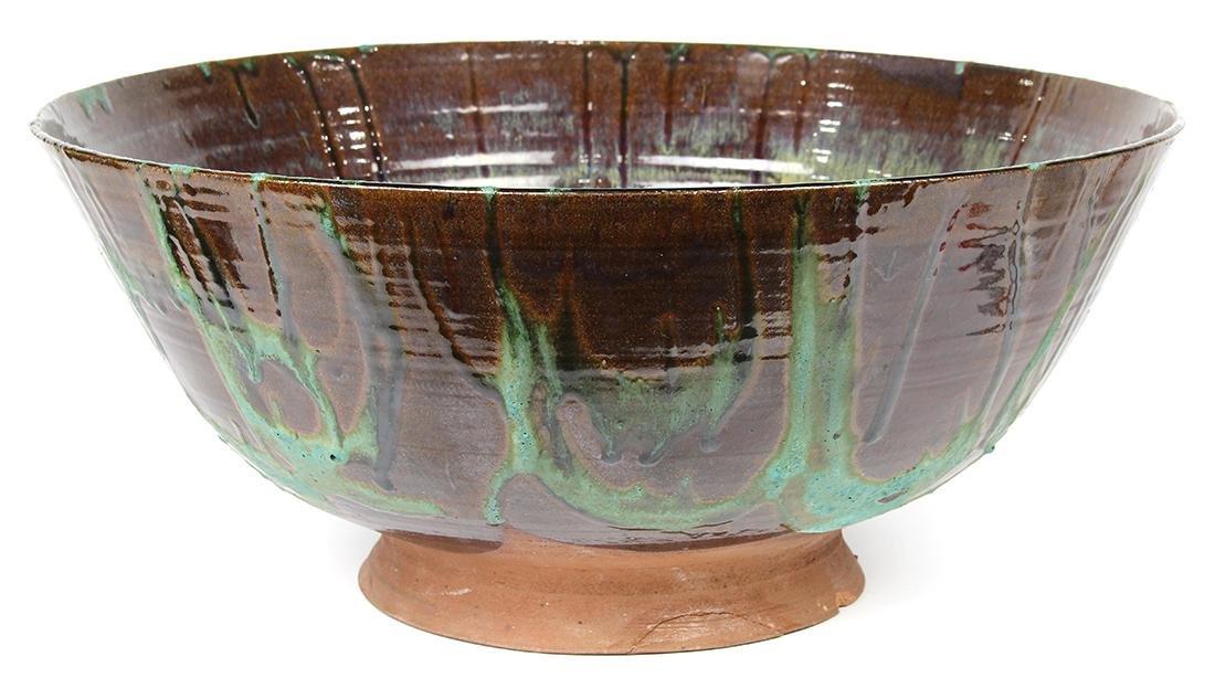 Art pottery center bowl