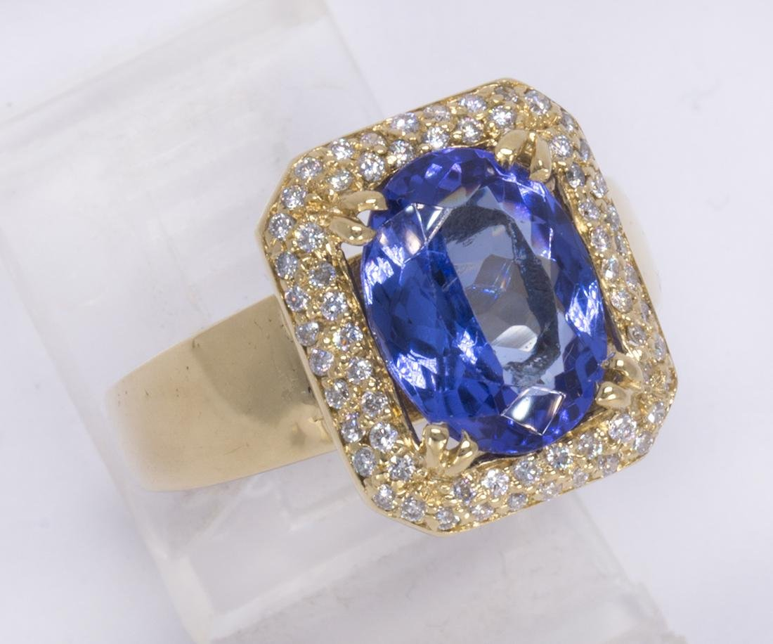 Tanzanite, diamond and 18k yellow gold ring