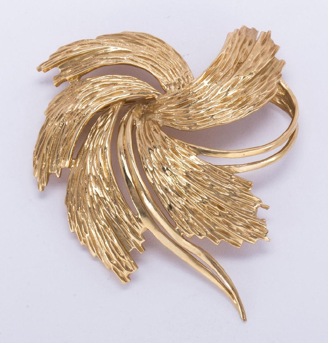 14k yellow gold swirl brooch