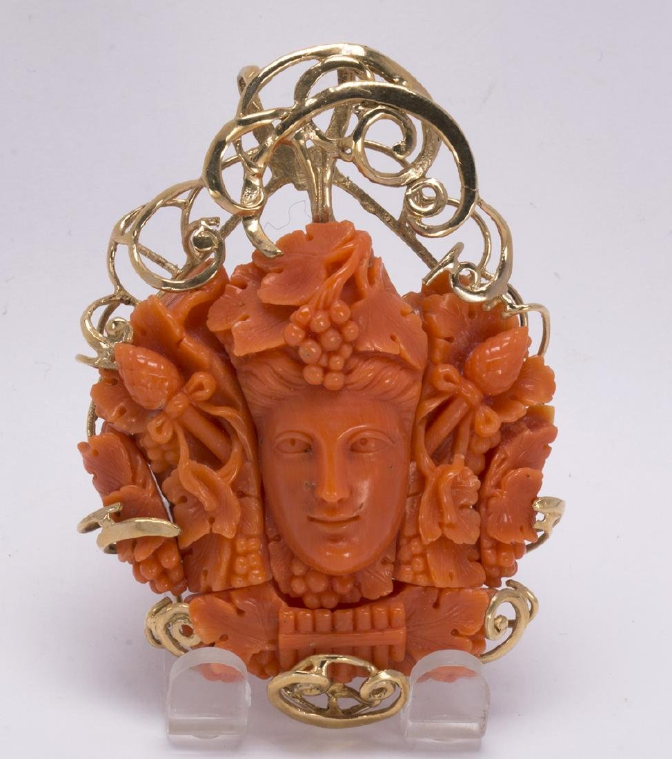 Coral cameo and 14k yellow gold pendant - 4