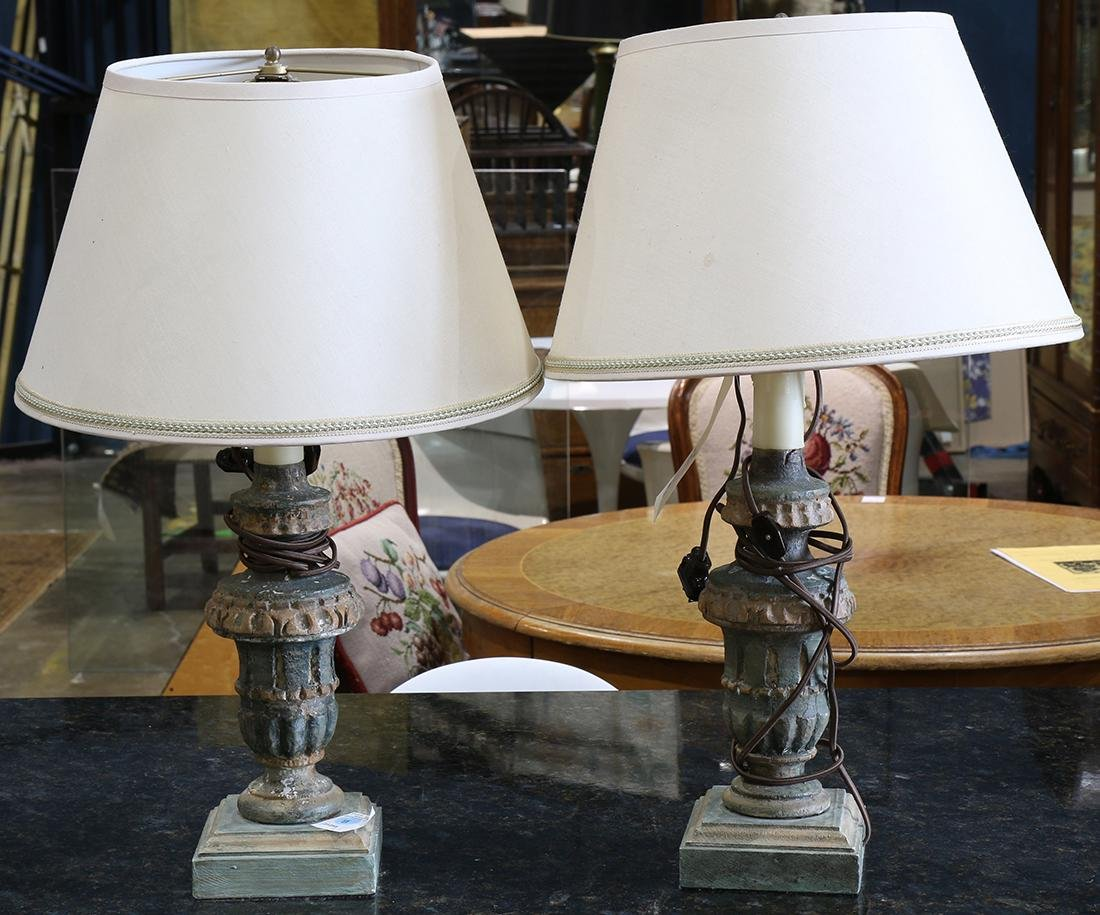 (lot of 2) Baroque style table lamps, each having a