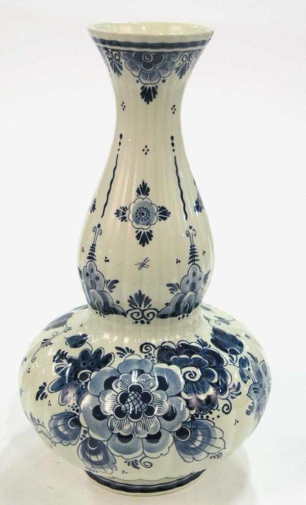 18: Holland Delft Royal Goedwaagen vase