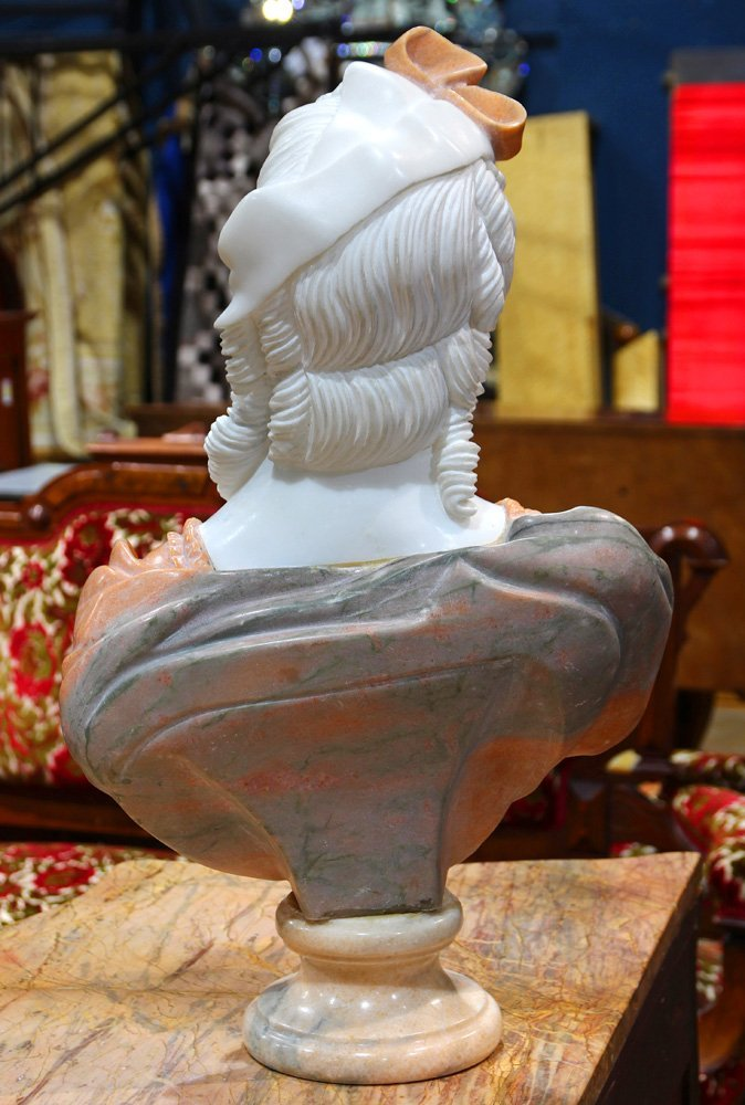 Italian style carved marble bust - 2