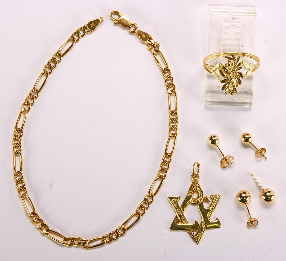 Yellow gold jewelry