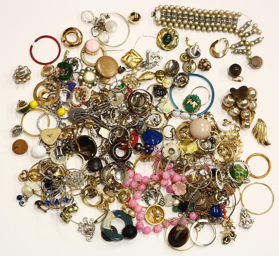 Collection of glass, plastic, wood, metal jewelry