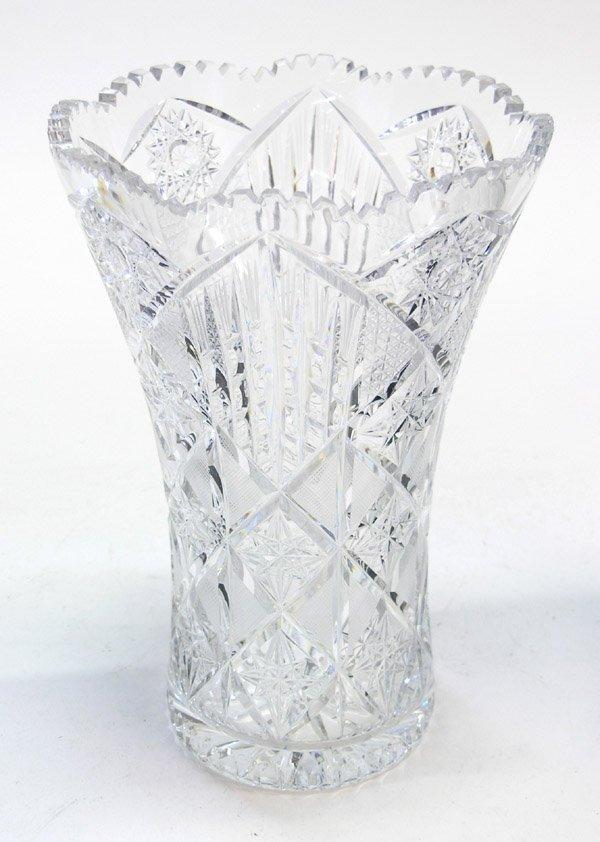4025: Wheel cut pattern glass crystal vase