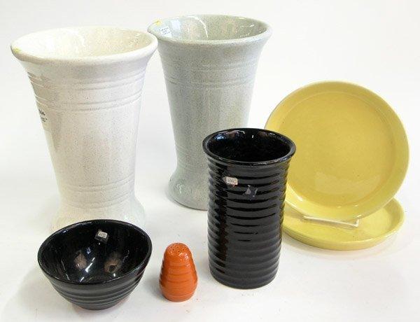 16: Bauer pottery vase shaker