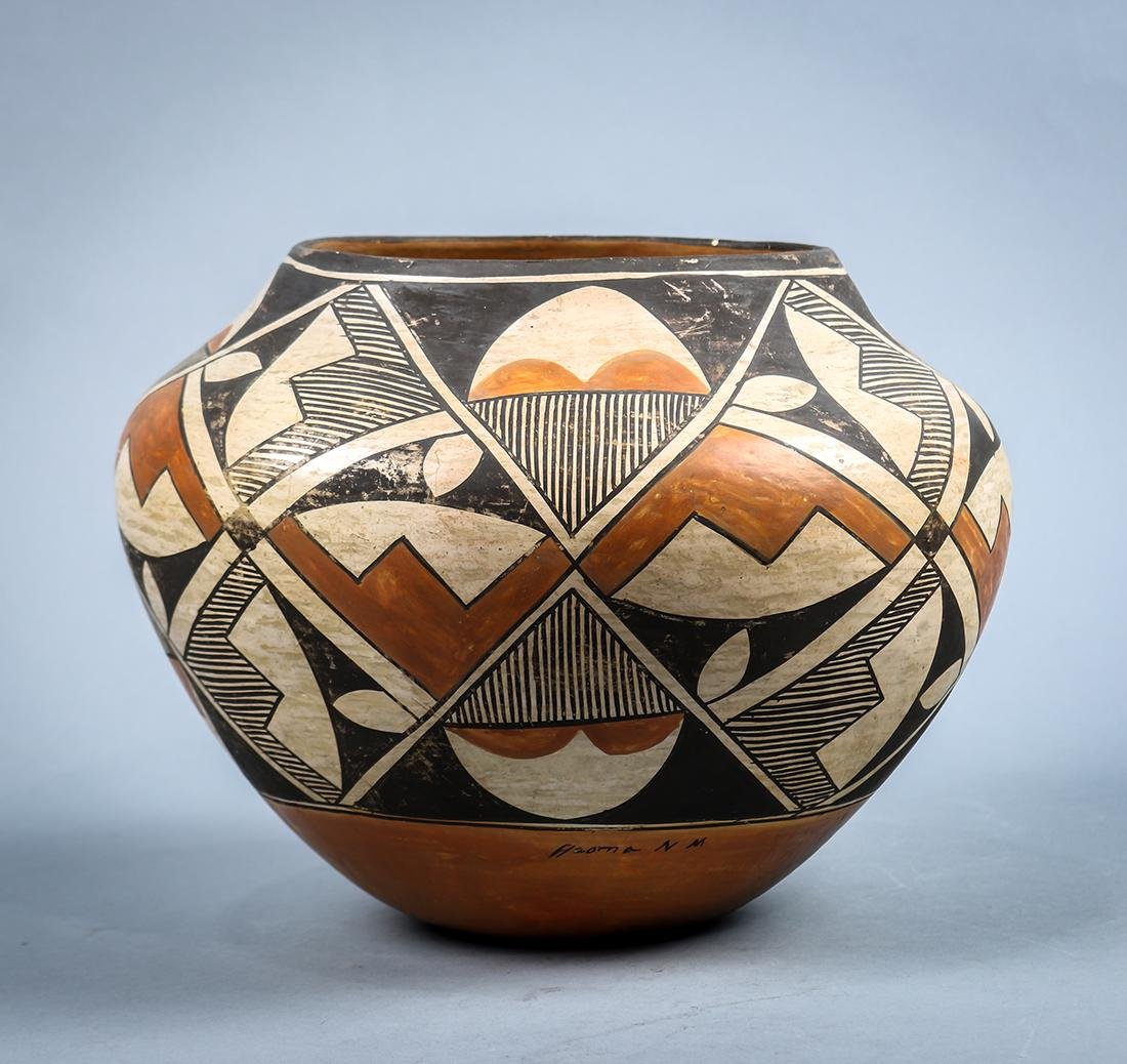 Acoma pottery olla or water jar, early 20th century,