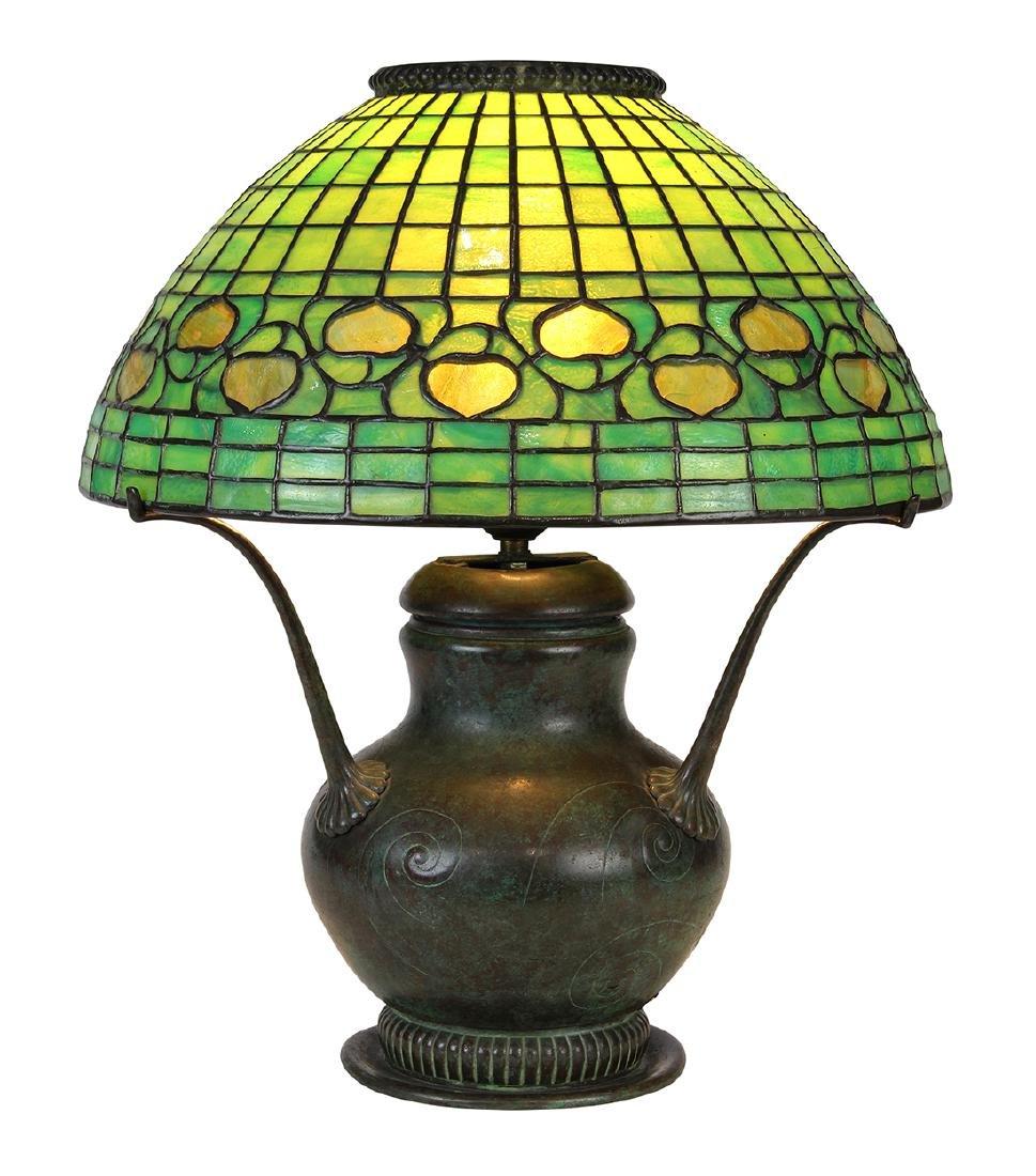 Tiffany Studios New York leaded glass table lamp