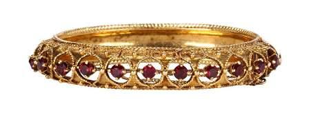 Garnet and 14k yellow gold bracelet