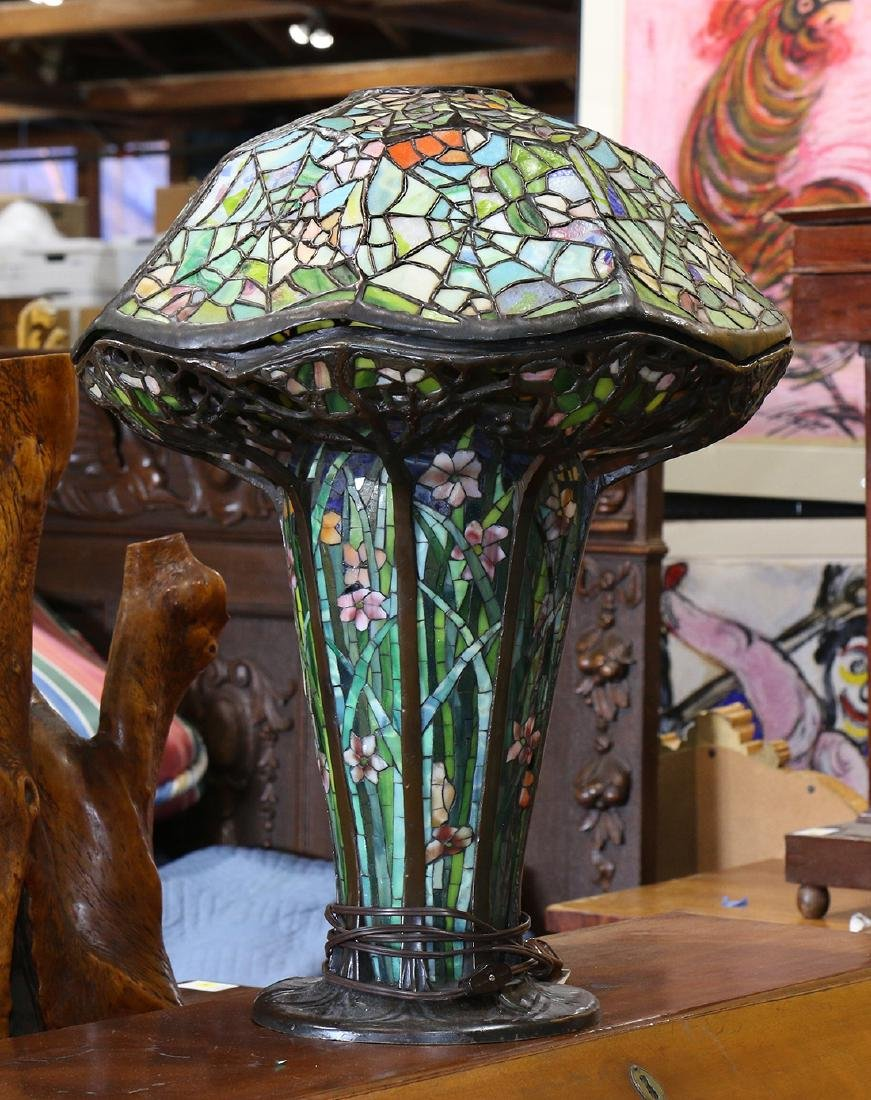 Tiffany style mosaic and leaded glass table lamp