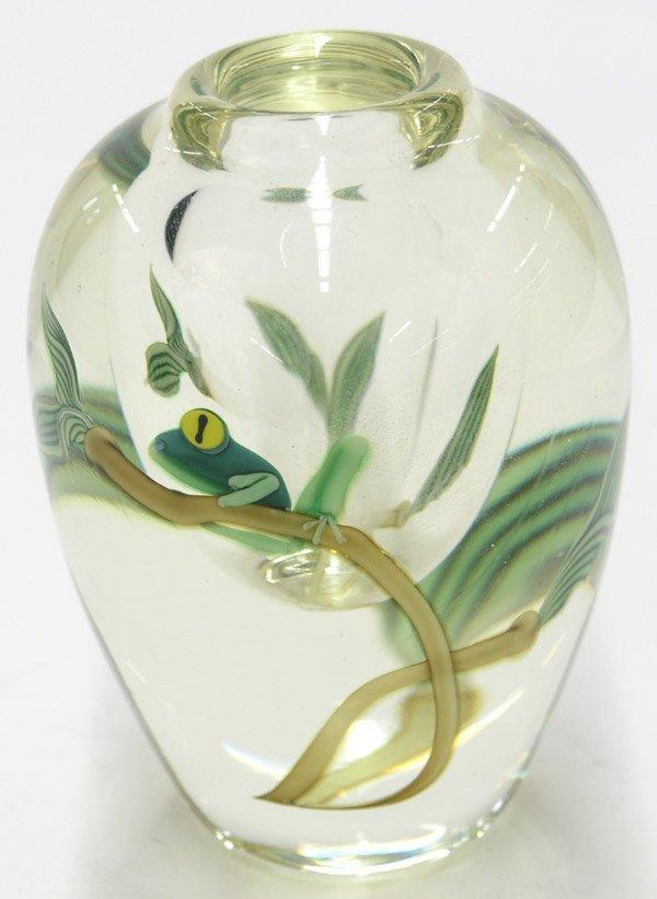 4012: Paperweight vase L. Hudin Orient Flume