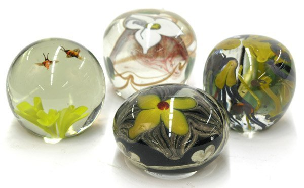 4024: Floral paperweights