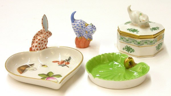6019: Herend hand painted porcelain rabbit