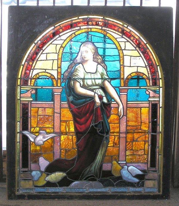 6535: Victorian stained glass window beauty