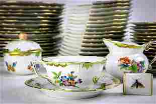 """Herend table service in the """"Queen Victoria"""" pattern"""