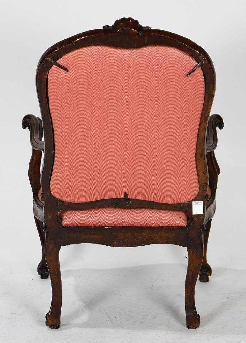 Italian Rococo walnut fauteuil - 3