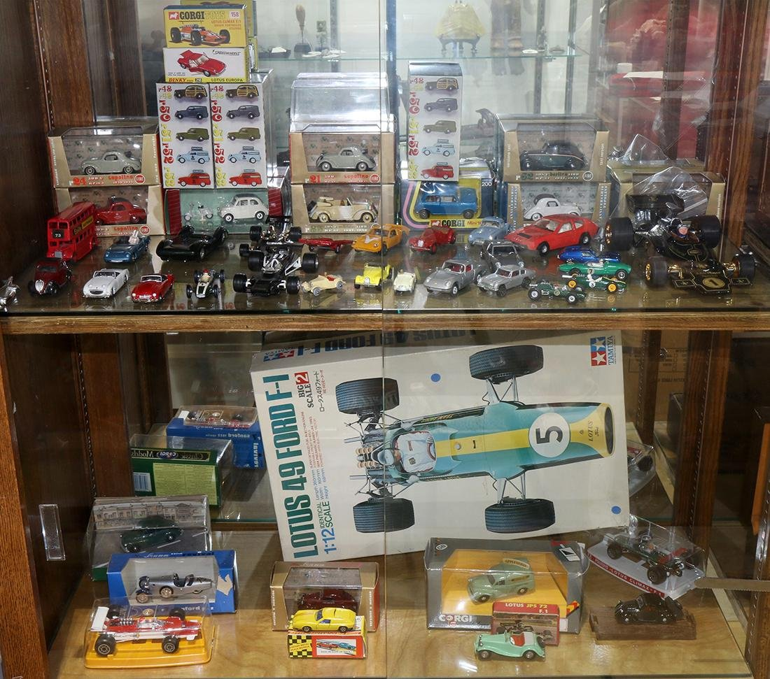 Collection of diecast model cars, consisting of