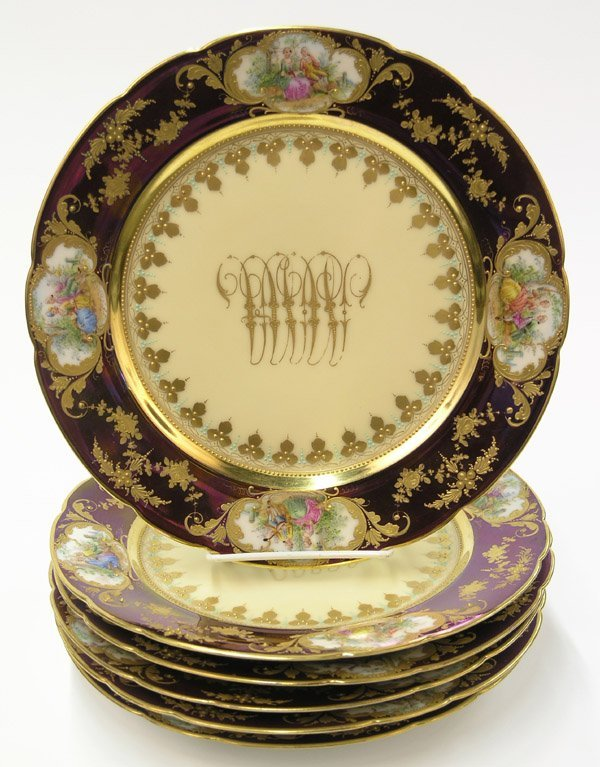 2015: Dresden porcelain service plates