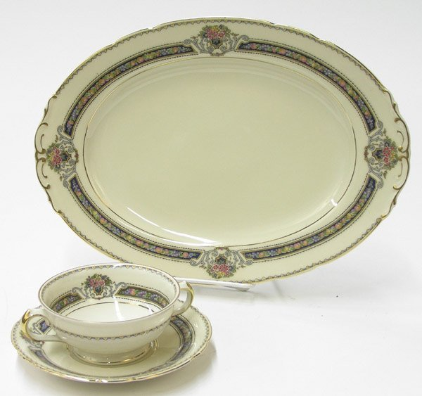 2090: KPM porcelain ''Royal Ivory'' dinnerware - 3