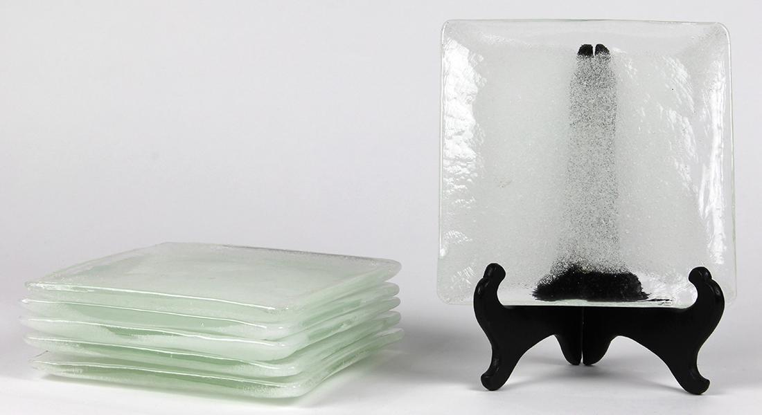 Moderne frosted glass dessert plates