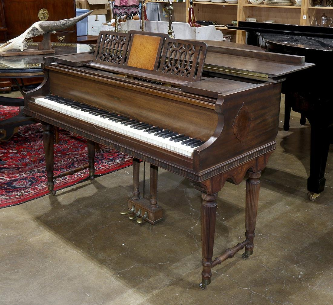Everett baby grand piano, serial number 174925, having