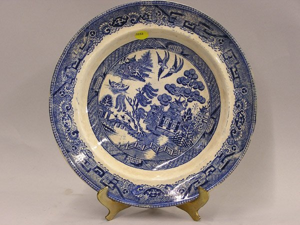 4019: Blue Willow bowl, bat-printed