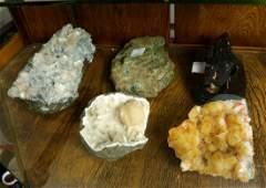 (lot of 5) Polished geode and rock specimen group