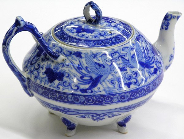 4011: Japanese Blue and White Teapot, Meiji