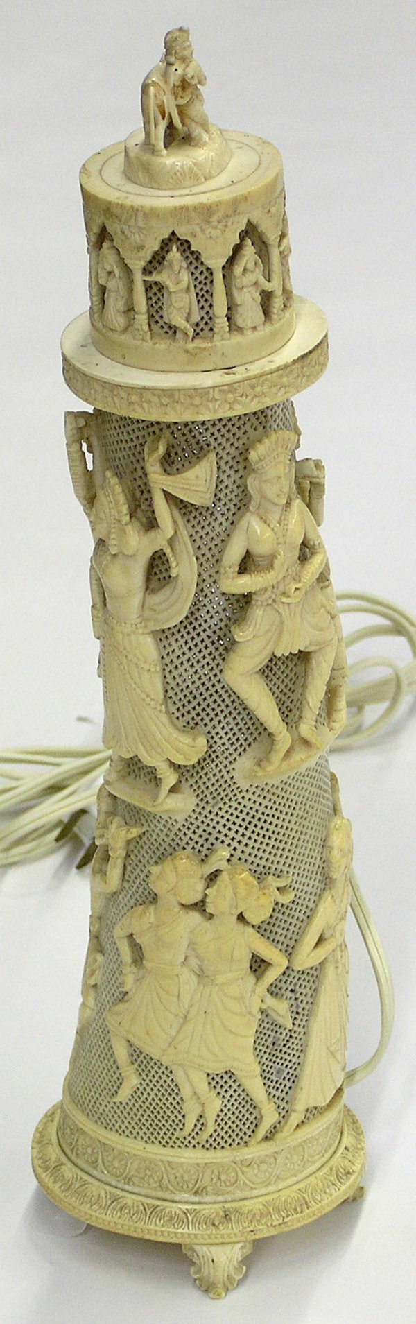 4019: East Indian Elephant Ivory Lamp