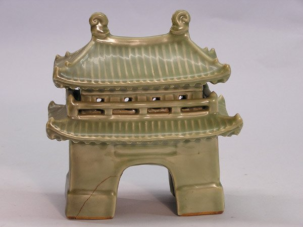 18: Chinese ceramic decorations