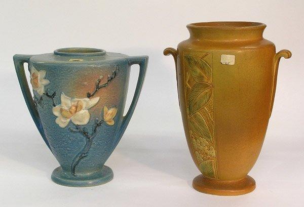 4011: Roseville art pottery vase Magnolia
